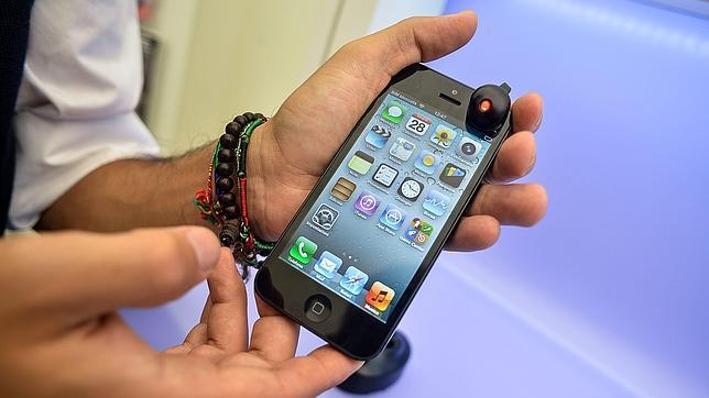 Un cargador falso de iPhone pudo causar la electrocución de una joven china