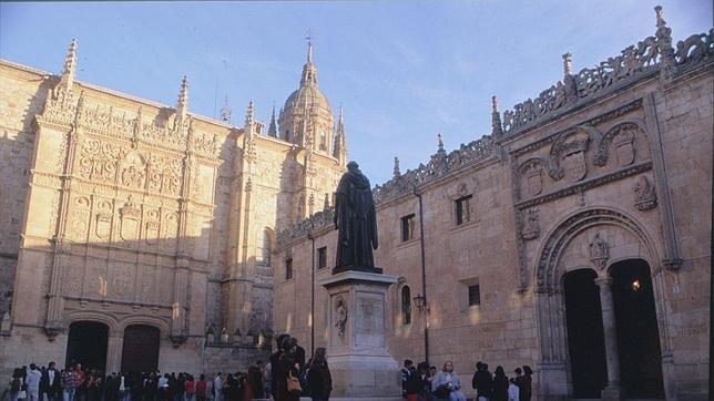 50 poetas hispanohablantes homenajearán a Fray Luis de León en Salamanca