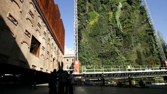 Los jardines verticales m s asombrosos del mundo for Historia de los jardines verticales