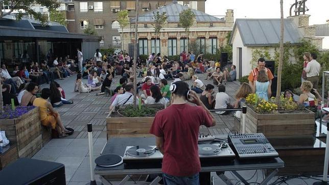 Domingos musicales en la terraza de la casa encendida for Casa de granada terraza madrid
