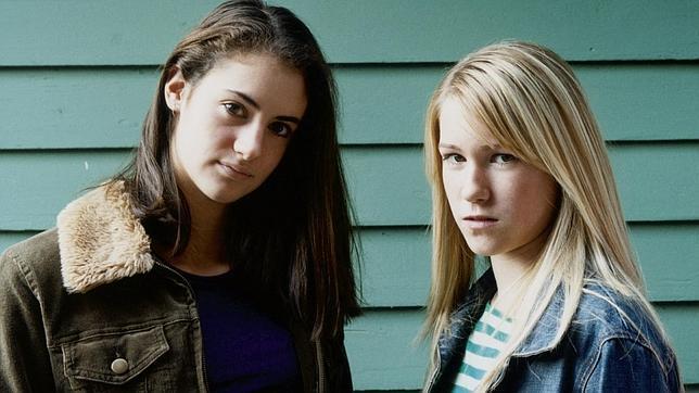 «De niñas a malotas»: cuando la adolescencia de las hijas se convierte en una pesadilla