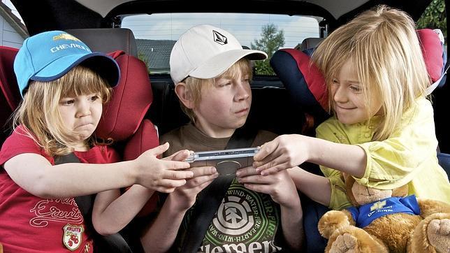 Los ocho juegos más divertidos para entretener a los niños cuando viajan en el coche