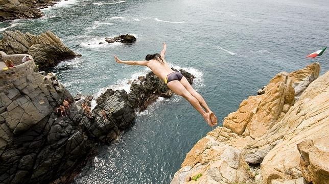 Diez saltos de acantilados que quitan la respiración