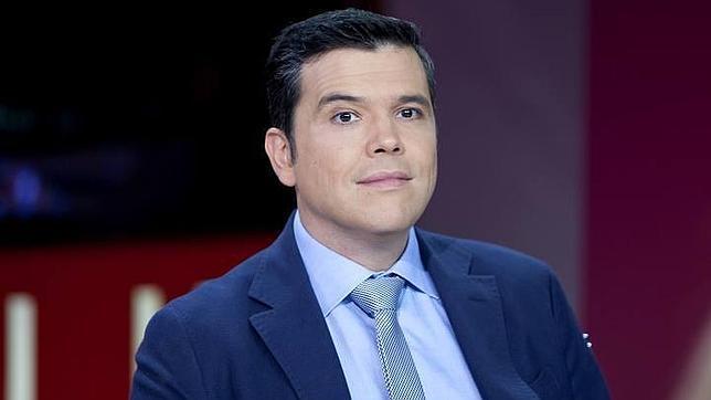 Alfredo Menéndez sustituirá a Manolo H.H. al frente de las mañanas de RNE