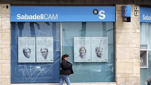 Banco sabadell incrementa un 56 la comercializaci n de for Oficina sabadell sevilla