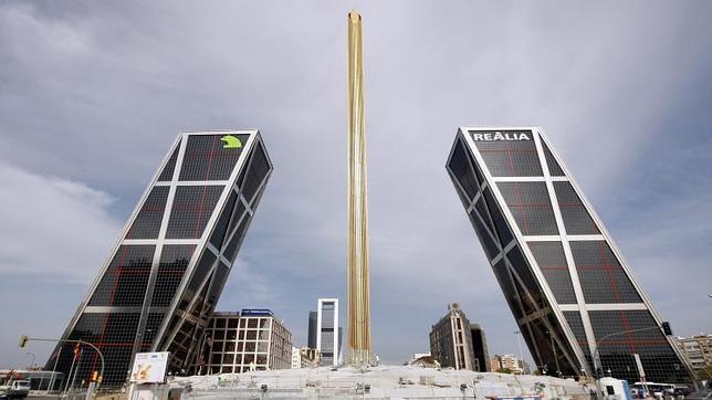 Los diez edificios m s altos de madrid - Torres kio arquitecto ...