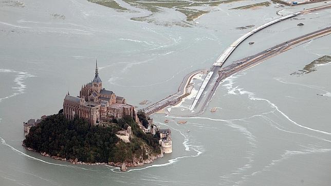 Mont Saint-Michel: separado de tierra por primera vez desde 1879
