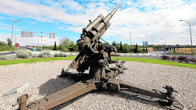 Un cañón de la Alemania nazi «dispara» la polémica en Montecarmelo