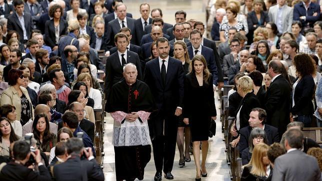 Monseñor Barrio, en el funeral: «Sentimos con vosotros y estamos a vuestro lado»