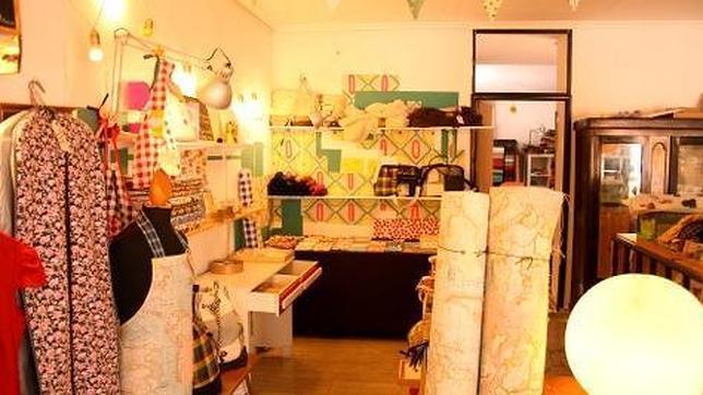 La tienda-taller «peSeta», un mundo de telas de colores y formas