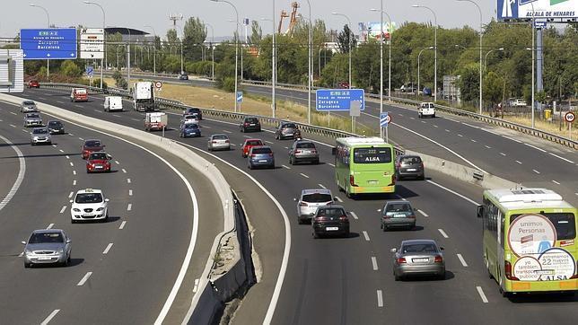 Escasas incidencias en las carreteras en el segundo día de la operación salida