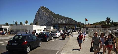 España reitera a Londres que los controles en Gibraltar son su obligación