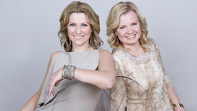 En 2007, la Princesa Marta Luisa fundó la escuela de espiritualidad Astarte Inspiration junto a su amiga Elisabeth Nordeng