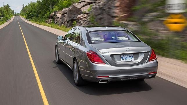 Mercedes-Benz ofrece para la nueva Clase S dos longitudes de carrocería.