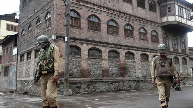 La India acusa a Pakistán de matar a cinco soldados suyos en Cachemira