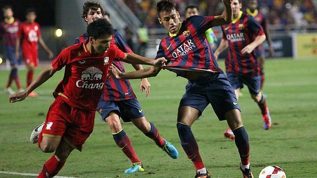 Neymar se estrena en la goleada del Barça a Tailandia