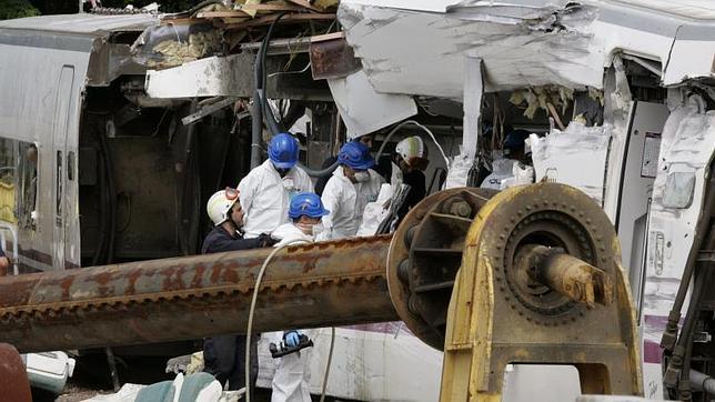 Accidente de Santiago: La Policía da por finalizada la revisión de los restos del tren