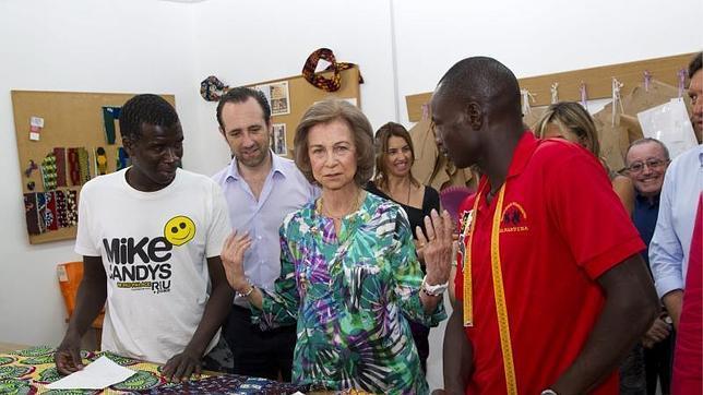 La Reina visita Cáritas Mallorca