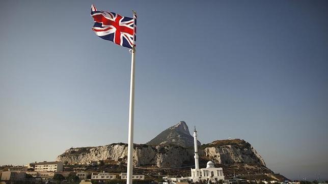 Nuevas colas para acceder al Peñón tras la amenaza de Reino Unido a España