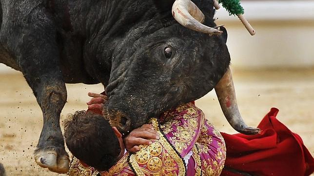 Las 35 cornadas de Ferrera, el torero más castigado por los toros