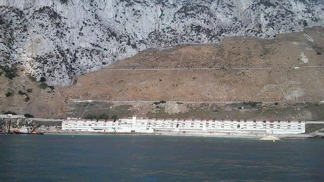 España protestará por el nuevo espigón en la costa Este de Gibraltar