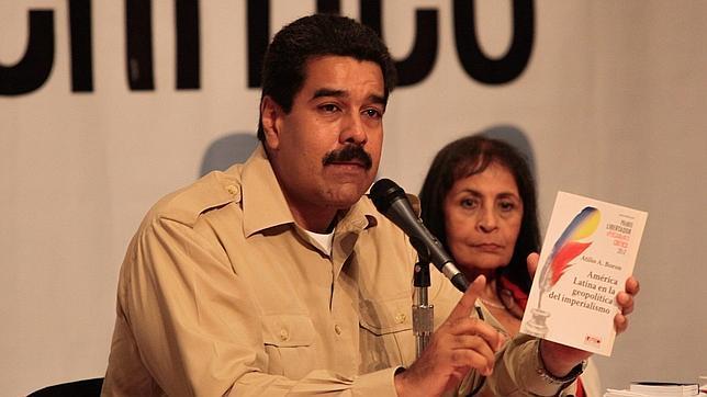 Maduro instaura un ministerio especializado para «difundir» su política