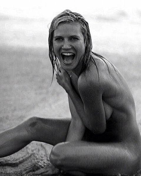 Heidi Klum y su desnudo playero en blanco y negro