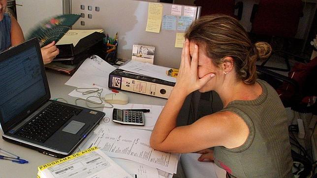 Los españoles trabajan menos horas que la media europea
