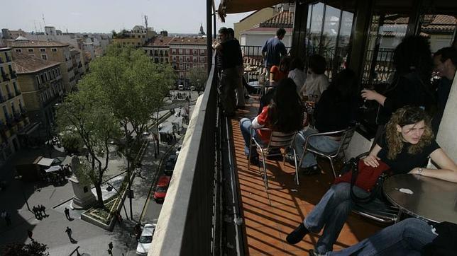 Diez terrazas para disfrutar el verano desde las alturas for Casa de granada terraza madrid