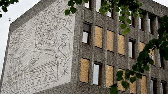 Noruega se plantea el destino de los murales de Picasso dañados por Breivik