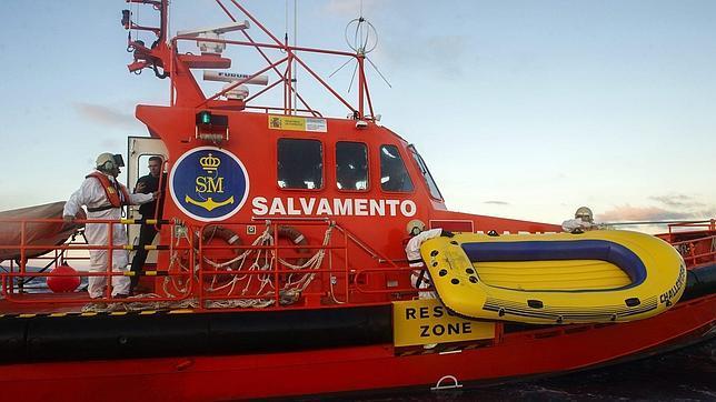 Reclaman 1.400 euros a unos padres por el rescate de su hija, que se tiró al mar tras enfadarse con ellos