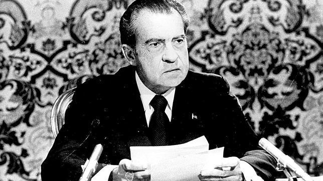 La llamada de Reagan a Nixon en abril de 1973: «Seguimos estando contigo. Esto pasará»