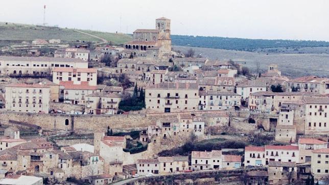 Ni playa ni montaña: piragüismo en el Duratón y un paseo entre murallas