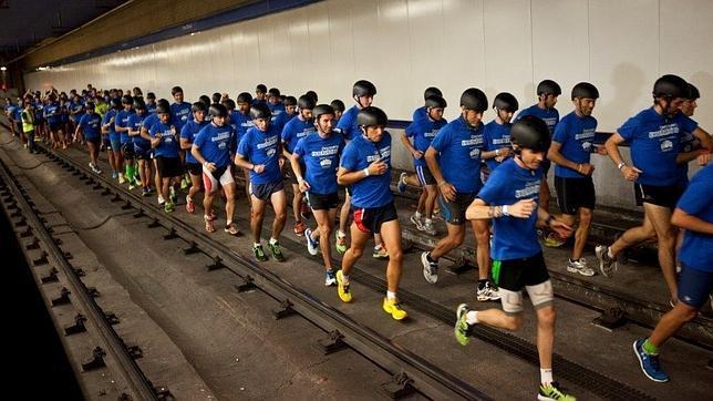Cien personas participan en Madrid en la primera carrera bajo tierra