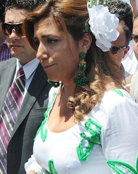 Marido Andalucia Trabaja Su elecciones susana DíazPerfildónde HD29eWIYE