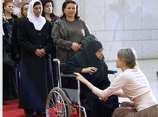 Asma Al Assad - Página 16 Asma--644x478