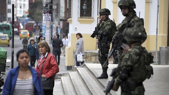 Santos despliega al Ejército en las calles de Bogotá para apaciguar los disturbios
