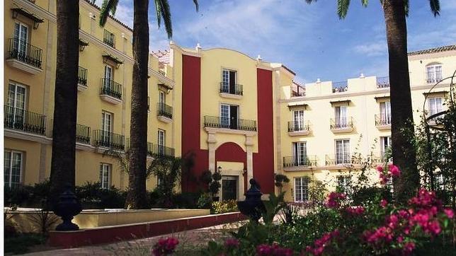 Los diez hoteles de cinco estrellas m s baratos de espa a for Hoteles bonitos madrid