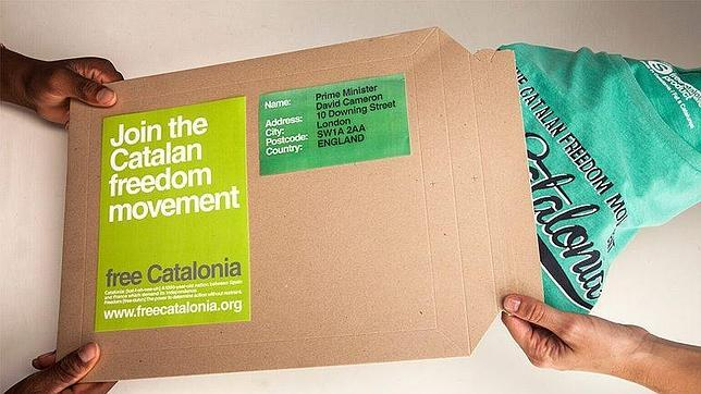 Camisetas independentistas para Cameron y Picardo en solidaridad con Gibraltar