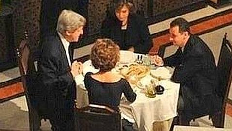 La cena de John Kerry y Al Assad que escandaliza a Estados Unidos