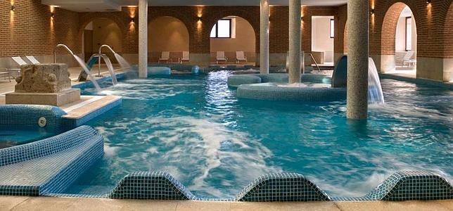Relax agua termal y hoteles con historia en los balnearios de castilla termal - Hoteles con piscina en valladolid ...