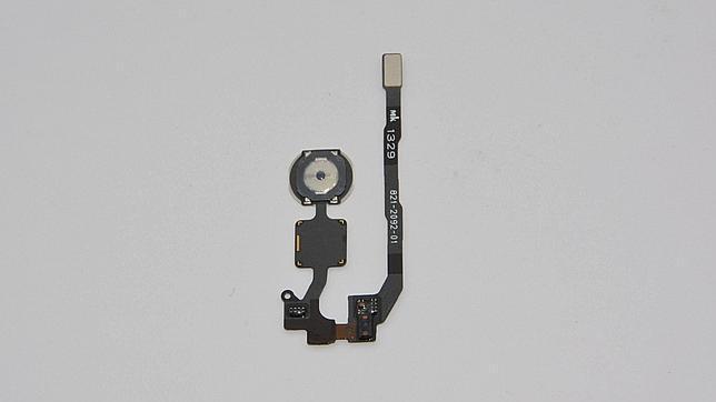 Filtran el supuesto escáner de huellas dactilares del nuevo iPhone 5S