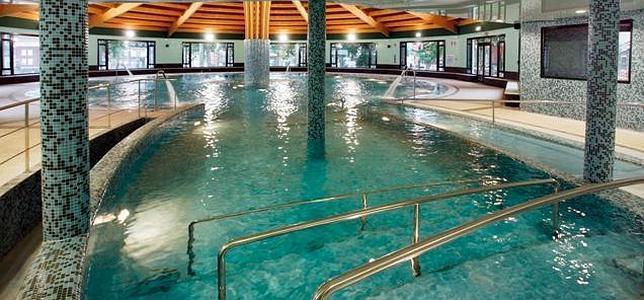 Relax agua termal y hoteles con historia en los for Hoteles en valencia con piscina
