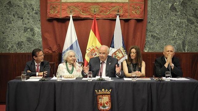 El acto fue presidido por Ricardo Melchior (centro)