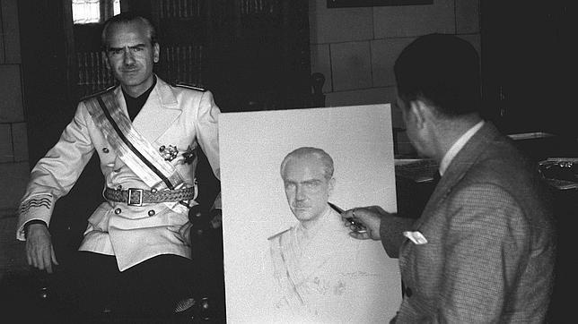 Ramón Serrano Súñer posando para Rafael Sanchís