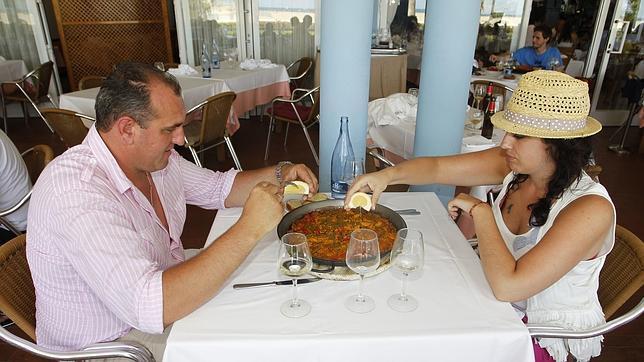 Justicieros valencianos crean la «wikipaella» en defensa del plato tradicional