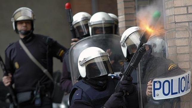 Los antidisturbios usarán dos tipos de pelotas de goma según la distancia