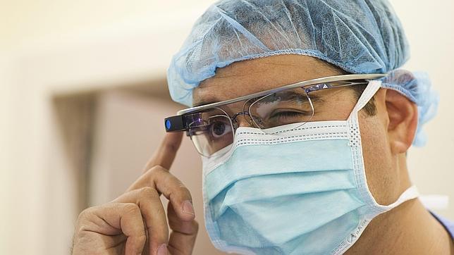 Una master class para futuros médicos a través de Google Glass