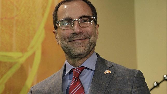 El embajador de EEUU muestra su voluntad de impulsar la promoción turística de Menorca en su país
