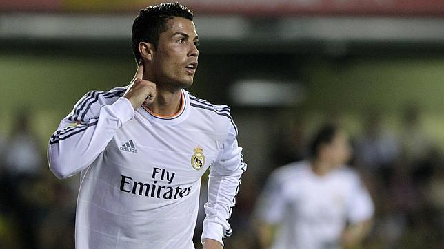 Cristiano Ronaldo firma la renovación de su contrato con el Real Madrid